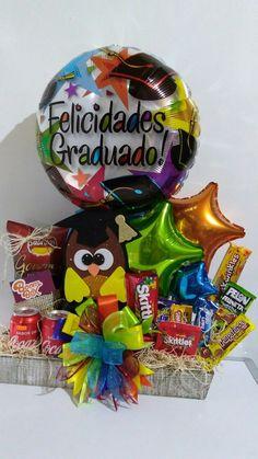 Graduacion Birthday Candy, Happy Birthday Balloons, Diy Birthday, Liquor Bouquet, Candy Bouquet Diy, Diy Gift Box, Diy Gifts, Diy Graduation Gifts, Chocolates