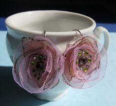 Un blog pieno di...Impronte!: Orecchini petali d'organza