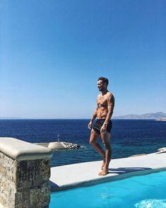 0 nuances de bleu à Mykonos