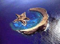 Island of Molokini - natural star and crescent - between Maui and Kahoolawe, Hawaii