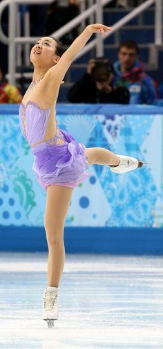 女子SPで16位だった浅田真央=ロシア・ソチのアイスベルク・パレスで2014年2月19日 (290×620) http://sportsspecial.mainichi.jp/graph/2014sochi/figureLadies/001.html