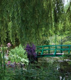 With a painter's eye, French impressionist painter Claude Monet often combined flowers of like colors and allowed them to grow without constraint across the sprawling grounds of his home in Giverny, France.