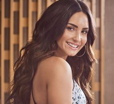 Demi Lovato - Photoshoot by K. Otto for Fabletics 2017 Cabelo Demi Lovato, Demi Lovato Hair, Thalia, Demi Lovato Pictures, Female Singers, American Singers, Messy Hairstyles, Celebrity Crush, Girl Crushes