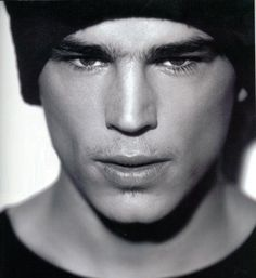 Josh Hartnett | Josh Hartnett | The Male Celebrity