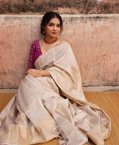 13 Incredible Collar Blouse Designs You Can Wear With Any Saree Salwar Designs, Half Saree Designs, Bridal Blouse Designs, Simple Saree Blouse Designs, Blouse Simple, Dolce & Gabbana, Bustiers, Khadi, Anarkali