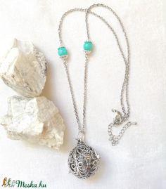 Angyalhívó nyaklánc ezüst színű csengővel, kék amazonit ásvánnyal (amethysta) - Meska.hu Tassel Necklace, Pendant Necklace, Amazon, Jewelry, Fashion, Moda, Amazons, Jewlery, Riding Habit