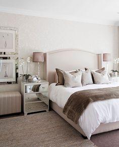 Glamour - Look/ Verspiegelte Oberfläche in kombination mit Rosa, Creme, Beige, Weiß, Silber