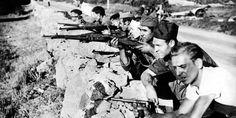 Groupe de combattants républicains en armes
