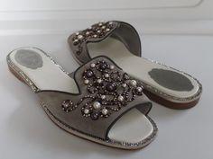 a57530c38ef Rene Caovilla Venezia Gray/Silver Pearl Embellish Slides Suede Flats sz 39  TP01 | eBay