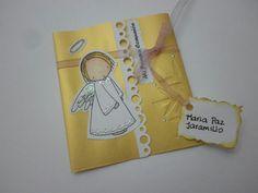 Angel sobre amarillo.