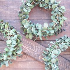 Do you love the mini boxwood wreaths at Target? I do! But $19.99 per wreath is a little steep for such a tiny bit of greenery. I made 3 six inch eucalyptus wreaths for under $10, and not only was it super easy, but they smell SO good. I bought eucalyptus stems and grapevine wreaths from @joann_stores. Then I clipped the stems and wove them through the grapevine wreath. That is it! Can't wait to share where I'm hanging these babies tomorrow (hint: there is a peek under the wreaths). ...