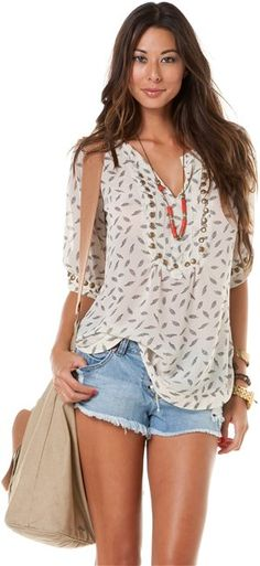 ANGIE LEAF PRINTED STUD TOP > Womens > Clothing > Tops & Tees | Swell.com