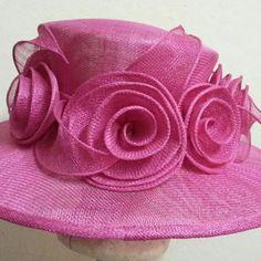 Sinamay Hats, Elegant Hats, Hats Sinamay Hats, Millinery Hats, Fascinator Hats, Fascinators, Sisal, Hat Decoration, Diy Hat, Fancy Hats, Church Hats