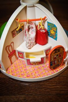 Moppets Secret Doll House | Holly's Vintage