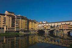 """* Rio Arno *  Florença, Região da Toscana. Itália. """"Ponte Vecchio"""" (""""Ponte Velha"""")."""