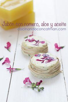 Homemade soap - ¿Cómo hacer jabón aromatizado en casa? | CocinandoconCatMan.com