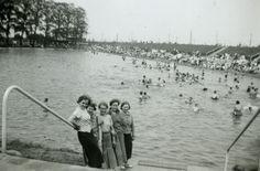 Meisjes aan zwemvijver, Antwerpen, 1937