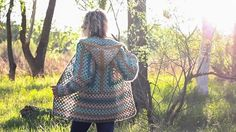 Two simple granny hexagons are the foundation of this free crochet hexagon sweater pattern. This modern boho cardigan is far easier than it looks!