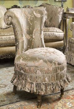 Gorgeously upholstered chair. source :pinterest rita rorich