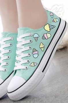 Cute Shoes To Look Cool And Fashionable - Women Shoes Styles & Design Sweet Ice Cream Hand-painted Canvas Shoes Pretty Shoes, Cute Shoes, Me Too Shoes, Cute Converse Shoes, Converse Sneakers, Custom Converse, Mint Converse, Kawaii Shoes, Girls Shoes