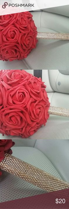 Red rose bouquet I hand made this red rose bouquet, with gold string of diamonds for my friends elopment, some roses has hold paint on them.You can see it in pic #4 Hand made Other