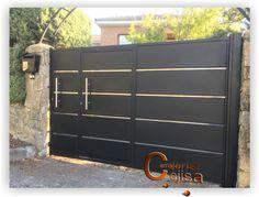 Modern Front Gate Design, New Gate Design, Gate Designs Modern, House Main Gates Design, Steel Gate Design, Iron Gate Design, Cool House Designs, Door Design, Gate House