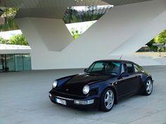 Pretty violet Porsche 911 964 Carrera