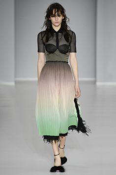 Marco de Vincenzo Spring 2016 Ready-to-Wear Fashion Show