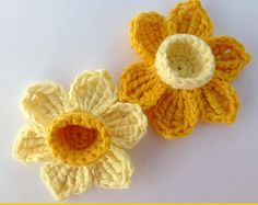 Crochet applique, 2 crochet daffodils, cards, scrapbooks, appliques and embellishments