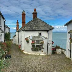 Clovelly … Devon … England – Holiday ideas – Travel – Vacation - Home Decor ideas Devon England, England Ireland, England And Scotland, Oxford England, Cornwall England, Yorkshire England, Yorkshire Dales, London England, Oh The Places You'll Go