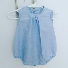 Pelele bebé algodón celeste con puntitos