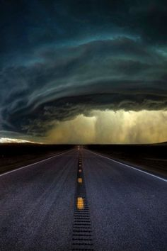 The beauty of nature opens up space for growth, truth, and awe. Super Cell Storm, Montana photo via stvd All Nature, Science And Nature, Amazing Nature, Storm Clouds, Sky And Clouds, Cool Pictures, Cool Photos, Beautiful Pictures, Fuerza Natural