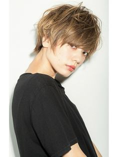 took this at the most perfect time Tomboy Haircut, Tomboy Hairstyles, Pixie Haircut, Girl Hairstyles, Short Hair Cuts, Short Hair Styles, Hair Reference, Short Hairstyles For Women, Hair Designs