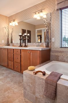 Love the tile and backsplash around the tub! Master Bath Pos....