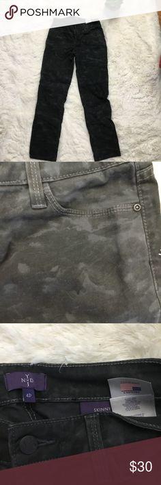42159853 NYDJ Black Gray Camo Skinny Jeans Sz 4P NYDJ camo jeans. Pic up close is