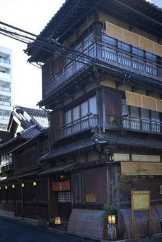 Hantei, a kushiage restaurant serving skewered and deep fried food, occupies a classical wooden three-story building - a rare sight in Tokyo now.