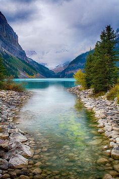 ✯ Lake Louise - Banff, Canada