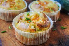 Muffin zucchine e ricotta, ricetta facile e veloce, antipasto sfizioso, finger food, idea per feste, buffet, cena con ospiti, ricetta con zucchine, muffin salati