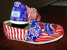 Texas Baseball Shoes by HeartNSoleDesigns on Etsy Texas Baseball, Baseball Girls, Baseball Shoes, Painted Toms, Painted Clothes, Diy Crafts For Gifts, Texas Rangers, Softball, Sporty