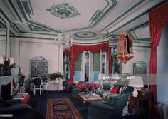 Living room of Vertes Suite at the Plaza Hotel designed by Lady Mendl, New York, New York, 1946. The suite, which cost over $18,000 to decorate, rented for $41 per day. (Photo by Dmitri Kessel/The LIFE Picture Collection via Getty Images) Plaza Hotel, Elite Hotels, Elsie De Wolfe, Life Pictures, Picture Collection, Places To Visit, Photos, Nyc, Living Room