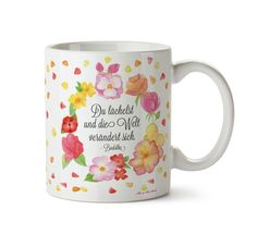 Tasse Du lächelst  aus Keramik  Weiß - Das Original von Mr. & Mrs. Panda.  Eine wunderschöne Keramiktasse aus dem Hause Mr. & Mrs. Panda, liebevoll verziert mit handentworfenen Sprüchen, Motiven und Zeichnungen. Unsere Tassen sind immer ein besonders liebevolles und einzigartiges Geschenk. Jede Tasse wird von Mrs. Panda entworfen und in liebevoller Arbeit in unserer Manufaktur in Norddeutschland gefertigt.    Über unser Motiv Du lächelst   Je nachdem, wie du die Welt wahrnimmst, wird sich…