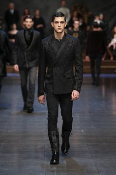 dolce-and-gabbana-winter-2016-man-fashion-show-runway-13