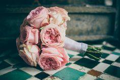 Amor total por las rosas David Austin para los ramos de novia {Isa + Diego Fotografia} #bridalbouquet #roses #spain