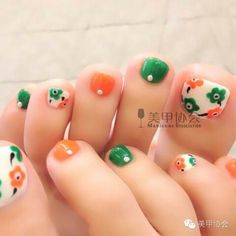 Summer nail art for toes