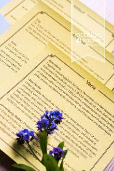 Pocketfold Hochzeitskarten / Einleger in Zitronengelb und Himmelblau. Jugendstil/Belle-Epoque in Kombination mit dem Motto Engadin/Schweiz. Herbsthochzeit mit Blättern, Laub. ©passion4paper / www.die-edle-karte.de