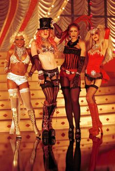 """Christina Aguilera, Lil' Kim, Mya, Pink - """"Lady Marmalade"""" 