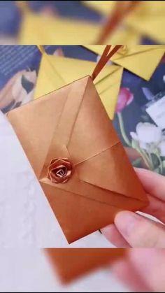 Instruções Origami, Paper Crafts Origami, Diy Paper, Diy Crafts For Girls, Diy Crafts Hacks, Diy Arts And Crafts, Diy Envelope, Paper Crafts For Kids, Paper Envelopes