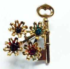 Vintage Jewelry*Figural Key & Floral Brooch*Pin
