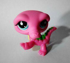 Littlest Pet Shop LPS Crocodile Pink Cute Figure #Hasbro