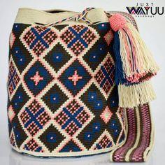 151 отметок «Нравится», 1 комментариев — Just Wayuu (@just.wayuu) в Instagram: «Handcrafted handbags made by indigenous wayuu in the north of Colombia. Worldwide shipping – envíos…» Tapestry Bag, Tapestry Crochet, Boho Bags, How To Make Handbags, Quilling, Straw Bag, Purses And Bags, Patterns, Knitting